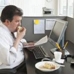 Малоподвижный образ жизни и лишний вес