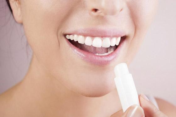 Бальзам для увлажнения губ