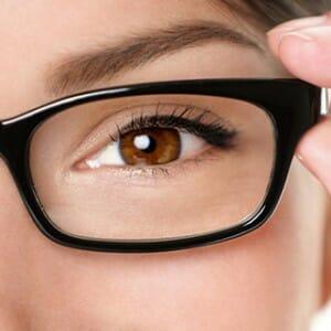 Глаз через очки