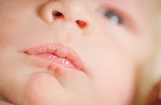 губы новорожденного ребенка